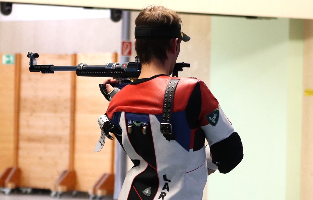 Henrik Larsen rifle shooting