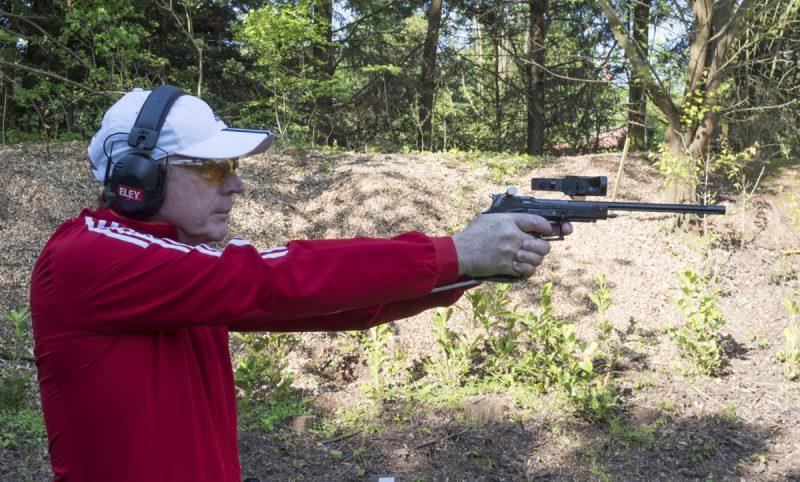 Practical Pistol Shooting - Mark Derbyshire